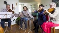 Bachfreunde  met Sebastian en violen i.JPG